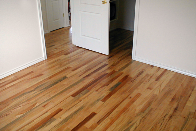 Maple Solid Unfinished Rustic Grade Hardwood Flooring 545a