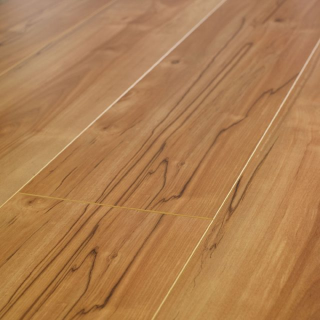 Evoke laminate clearance sven esl hardwood floors for Clearance hardwood flooring
